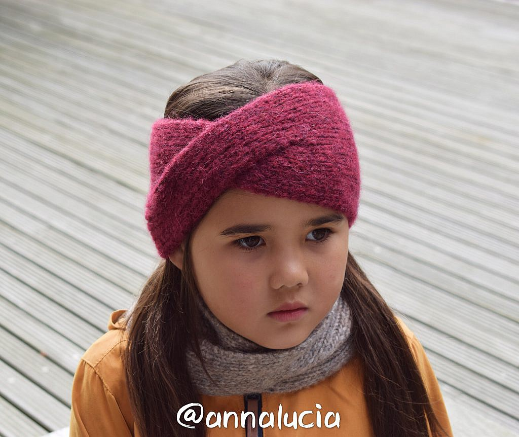 Free Pattern: Knitting Classic Twist Headband